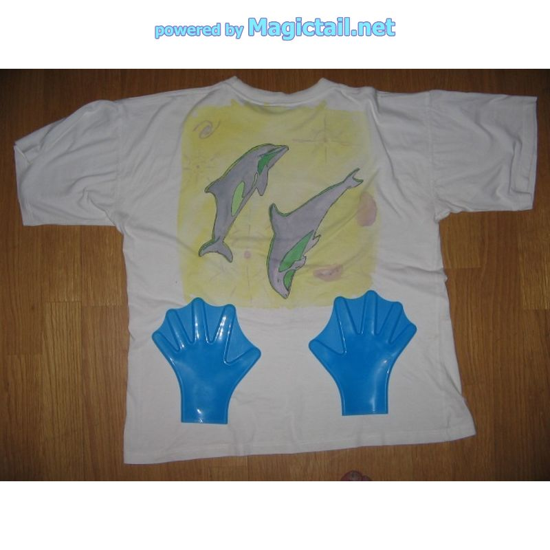 T Shirt 2 springende Delfine RueckseiteT shirt desing jumpig dolphins on the back
